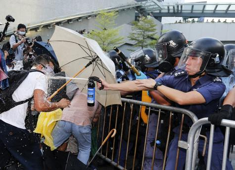 Umbrella Revolution Takes a Turn for the Worse