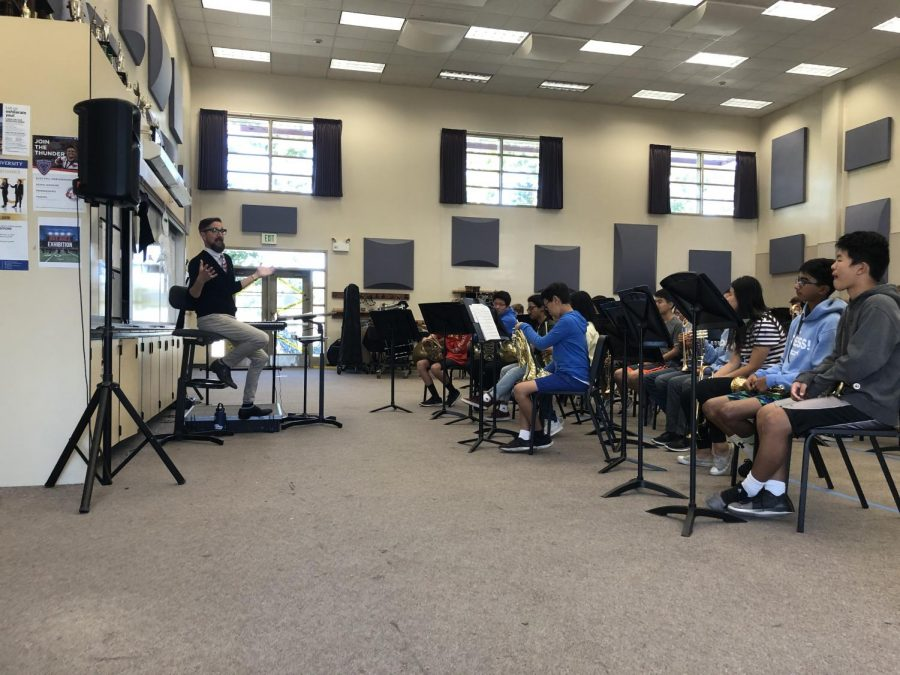 Concert+Band+performs+for+parents+during+lunch