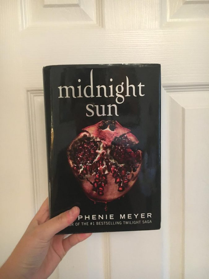 The cover of Midnight Sun, book five of the Twilight Saga.