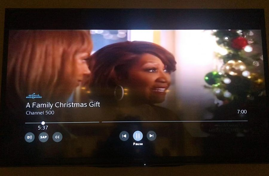 Holly Robinson Peete (left) and Patti Labelle (right) are the lead actresses in 'A Family Christmas Gift' (2019).
