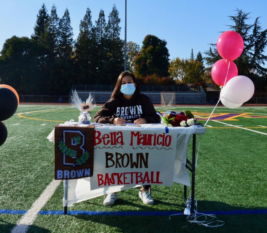 Isabella Mauricio ('21) will play basketball for Brown University next year.