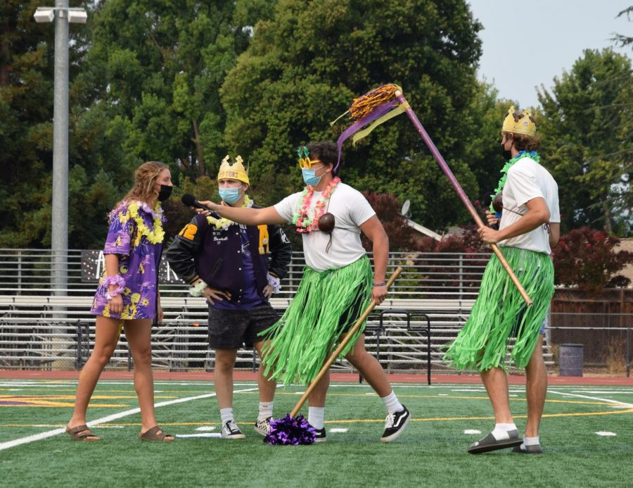 The 2021-2022 Don Royalties, Hannah Walder ('22) and Blake Bouchard ('22), got knighted by the hosts and vowed to always be spirited.