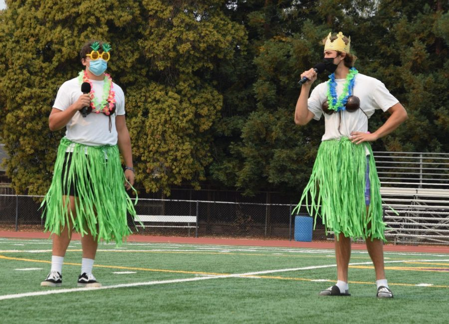 The hosts, Colin Wallace ('22) and Kai Burgermeister ('22), kept the rally spirited with their funny jokes and amazing aloha gear.