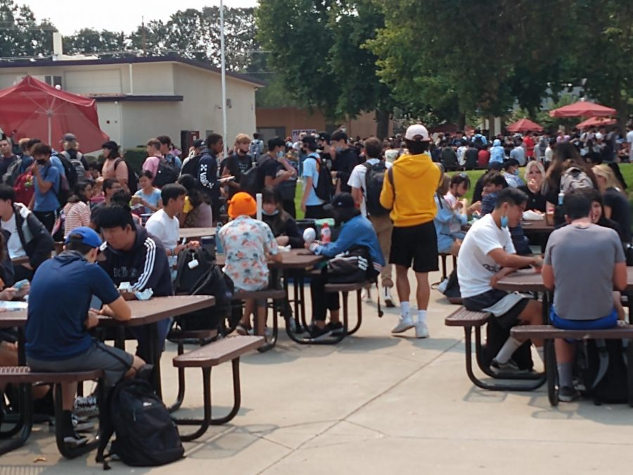 Students found maintaining social distance during lunch hard. With limited tables and space, students are forced to sit close together.